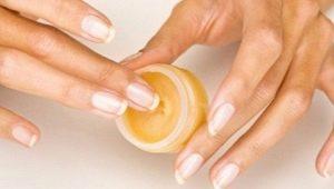 Воск для ногтей: что это такое, как пользоваться и сделать своими руками?