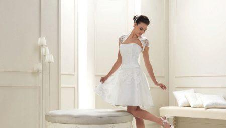 Короткие кружевные свадебные платья – женственно и сексуально