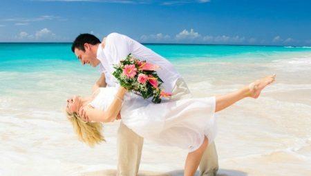 Пляжное свадебное платье в стиле «beach casual»