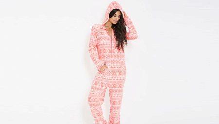 af3d500469fc Женские теплые махровые пижамы (45 фото): модели