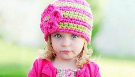 fbd24b1650fc Вязаные шапки для девочек (91 фото): для подростков 12-14 лет и ...