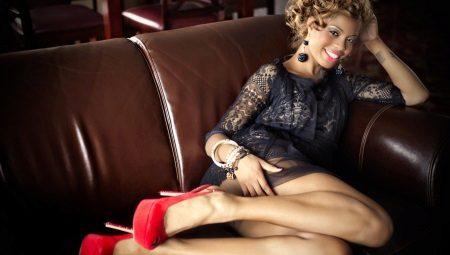 Черное платье с красными туфлями (56 фото)