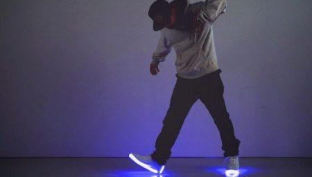 Кроссовки со светящейся подошвой (74 фото)  модели для девочек с led ... f35c901d26f1c