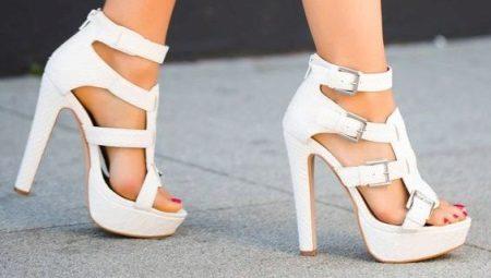 0f1e2aabc4fe03 Белые босоножки на каблуке (36 фото): модели на низком, на толстом ...