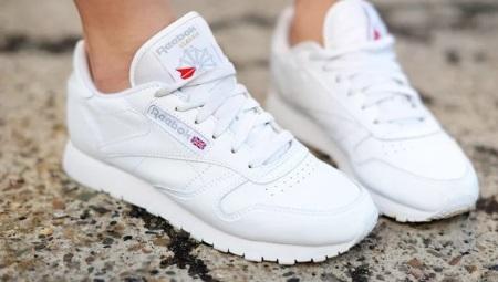 ef94fb149836ca Белые кроссовки Reebok (41 фото): с чем носить модели Classic ...