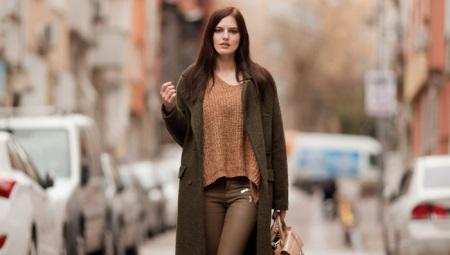 С каким цветом в одежде сочетается коричневый?