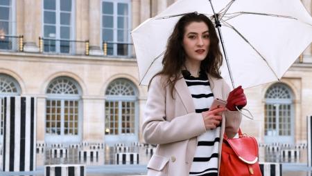 Белые зонты