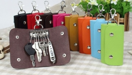 6f379565d4d1 Кожаная ключница (69 фото): женская сумочка для ключей из кожи ...