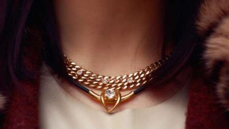 Каучуковая цепочка с золотыми вставками