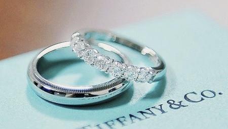 Чистая прибыль Tiffany выросла во II финквартале более чем на четверть