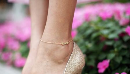 Золотой браслет на ногу
