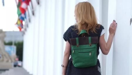 Женские кожаные сумки-рюкзаки