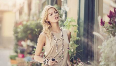 Женские серебряные браслеты с камнями