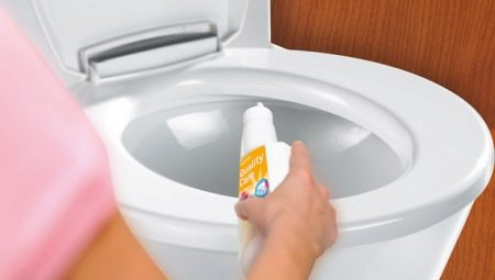 Как почистить унитаз от известкового налета?