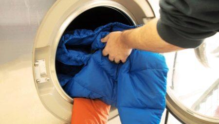 Как стирать куртку на пуху?