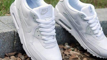 df8a43f68 Как стирать кроссовки? 18 фото Как можно почистить спортивную обувь ...