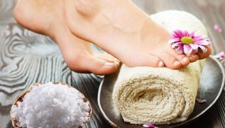 Солевые ванны для ног: польза и вред, советы по приготовлению и применению