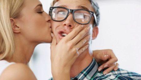 Как вызвать ревность у жены и стоит ли это делать?