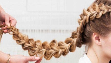 Как плести две французские косы и оформить их в прическу?