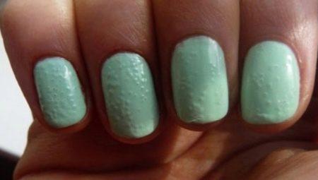 Почему лак на ногтях пузырится и как этого избежать?