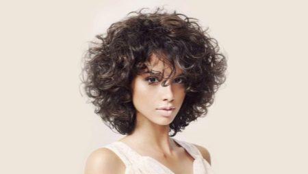 Стрижки на вьющиеся волосы: модные идеи и советы по выбору
