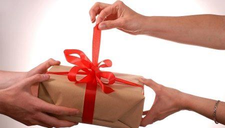 a14071da8320c Подарки до 500 рублей: что можно подарить девушке за 100-200 и 300 ...