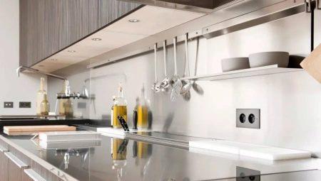 Розетки в кухне на фартуке: какие ставить и как расположить?