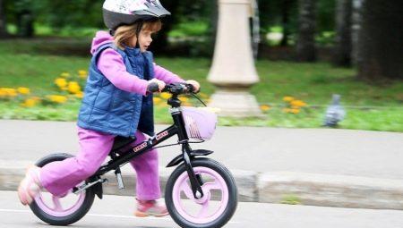 Как выбрать беговел для детей от 3 лет?