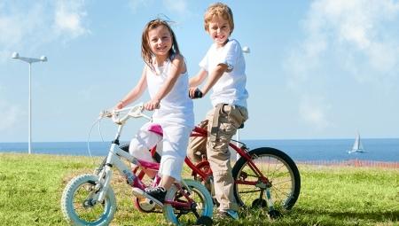 Со скольких лет можно ездить на велосипеде по дороге и какие правила нужно соблюдать?