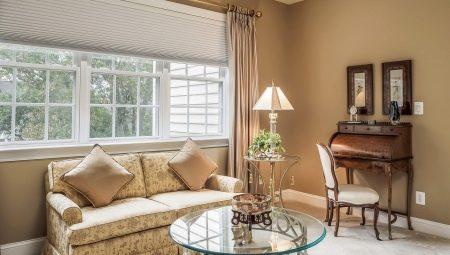 Как разместить диван у окна?