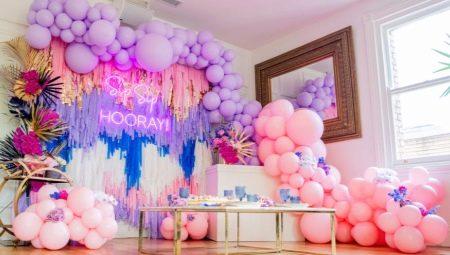 Как украсить комнату шарами?