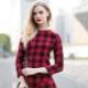 Красное платье в клетку – броский контрастный образ