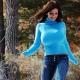 Голубые свитеры