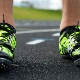 Кроссовки с шипами