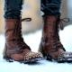 Женские ботинки с шипами