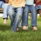Как отстирать пятна от травы с джинсов?