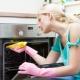 Как почистить духовку в домашних условиях от жира и нагара?