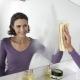 Как помыть зеркало без разводов?