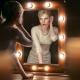 Настенное зеркало для макияжа с подсветкой: преимущества и недостатки