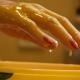 Парафинотерапия для рук: разновидности процедуры и тонкости ее проведения