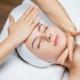 Как правильно делать массаж лица от морщин в домашних условиях?