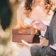 Какие подарки преподнести гостям на свадьбе от молодоженов?