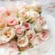 Какой букет приготовить в подарок на свадьбу молодоженам?