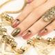 Маникюр с элементами золотого цвета: особенности декора и модные тенденции