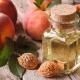 Особенности применения персикового масла для ресниц