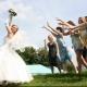 Поймала букет невесты: приметы и дальнейшие действия