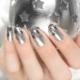 Серебристый маникюр: особенности декора и модные тенденции