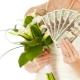 Сколько денег можно подарить на свадьбу?