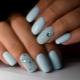 «Хрустальная» крошка для ногтей: особенности и варианты создания дизайна маникюра