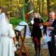 Как встречать молодых с караваем на свадьбе и что им говорить?